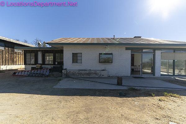 Ranch 2023 Mid Century-6